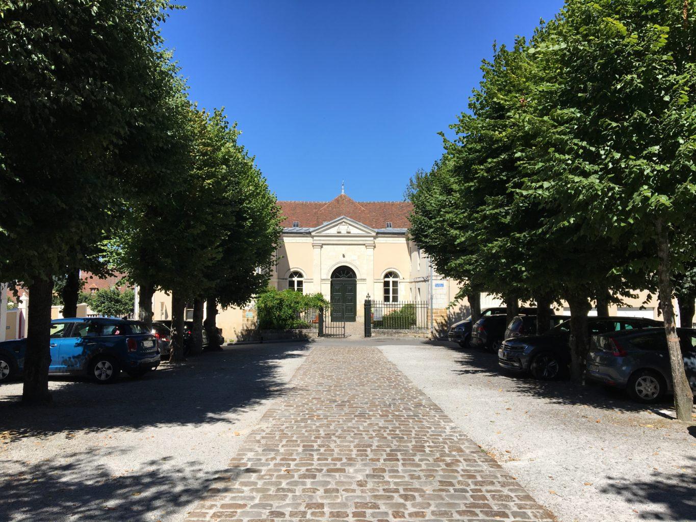 parking place du Palais hôtel du Tribunal Mortagne