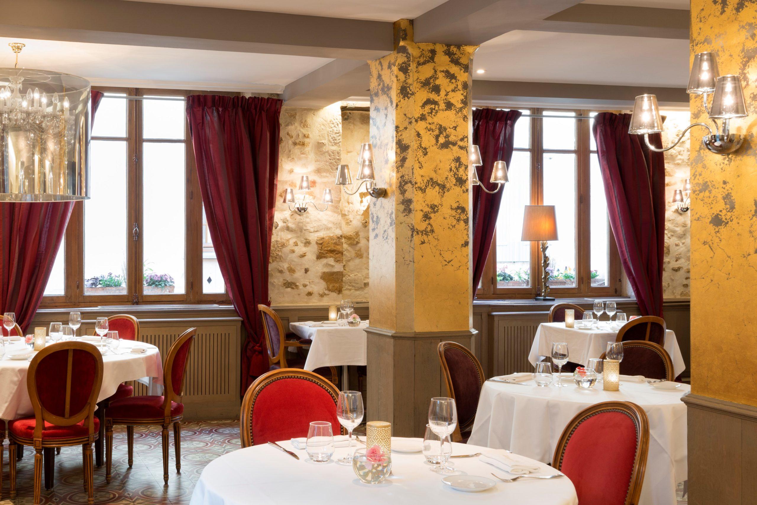 Hotel restaurant du Hotel Restaurant du Tribunal Mortagne au Perche ©Antoine Cardi